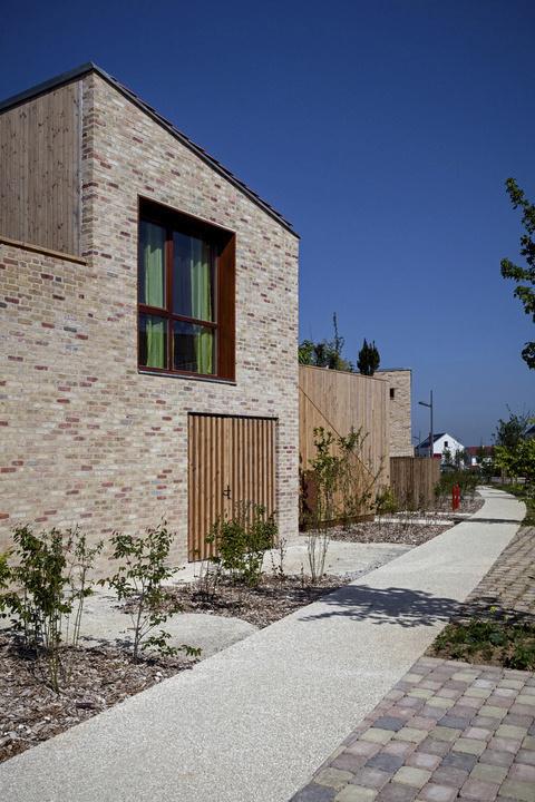 60 logements sociaux chanteloup en brie jean aline harari d 39 ici l paysagistes pierre. Black Bedroom Furniture Sets. Home Design Ideas