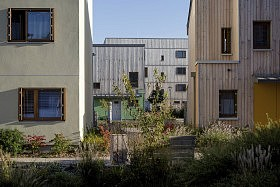 Ecoquartier des Noés, Val de Reuil<br />Atelier Philippe Madec