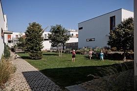 Village du Haut Bois, St-Jacques de la Lande <br>Jean & Aline Harari architectes